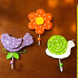 Set of 3 wall hooks bird, flower, snail